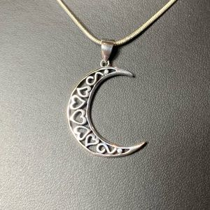 Jewelry - 🌙 🌹NWT sterling silver hearts & moon pendant